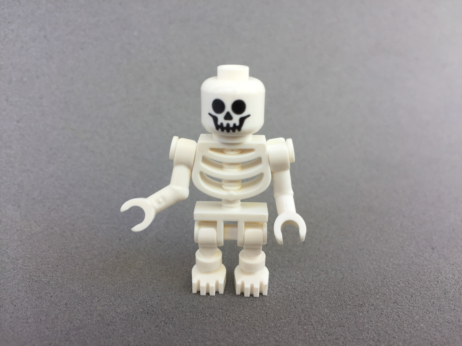 A Lego skeleton guy